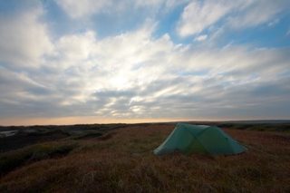 Wild Camp in the Peaks just after dawn