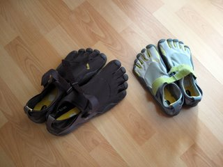 Vibram Five Fingers - March 2009-small