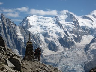 LB-GR5-Across-Chamonix-Valley-small